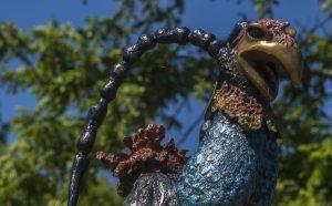 Sculpture d'un poulet génétiquement modifié